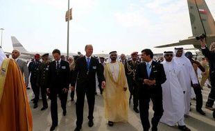 La première journée du salon aéronautique de Dubaï a été marquée par des commandes et intentions d'achats émanant exclusivement des compagnies du Golfe, et évaluées au total à 140 milliards de dollars, proche du record enregistré en 2007.