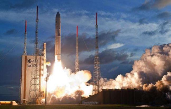 La fusée Ariane 5 au décollage, le 5 juillet 2012.