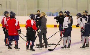 L'équipe de hockey sur glace unifiée des deux Corée s'entraîne avant les Jeux olympiques d'hiver 2018 de PyeongChang.