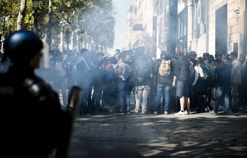 Manifestations : La tactique anti-black blocs des autorités critiquée