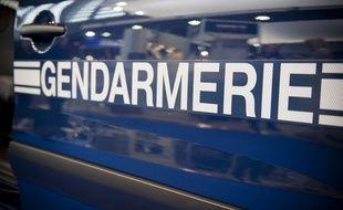 La gendarmerie inspecte les distances de sécurité. (Illustration