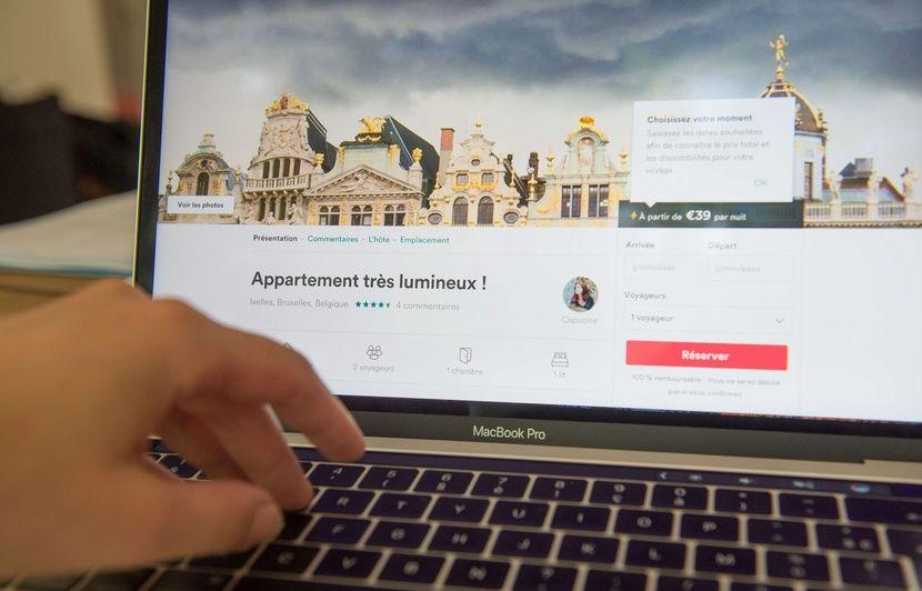 Paris: Elle loue son logement social sur Airbnb, des touristes dénoncent cette pratique illégale