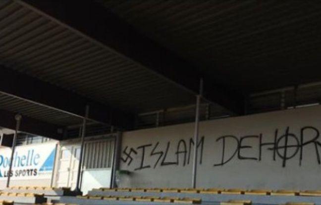 La Rochelle: Des tags racistes et nazis sur les murs d'un stade