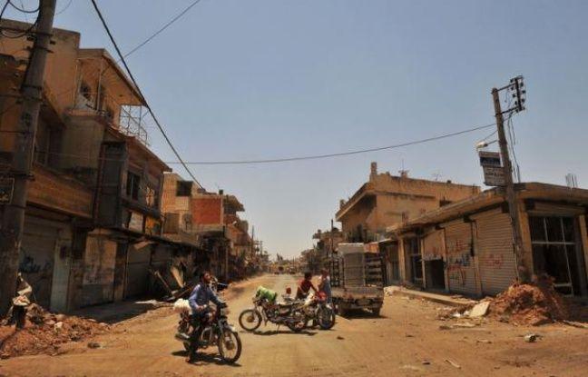 Plus de 300 personnes, en majorité des civils, ont péri jeudi dans la répression et les combats qui font rage à travers la Syrie, le bilan le plus lourd en 16 mois de révolte, selon un décompte de l'Observatoire syrien des droits de l'Homme (OSDH) publié vendredi.