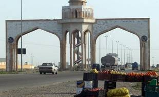 Un attentat suicide au camion piégé a fait onze morts lundi au nord de Bagdad, un nouvel acte de violences qui vient illustrer l'instabilité dont souffre l'Irak, à moins de trois semaines d'élections provinciales.