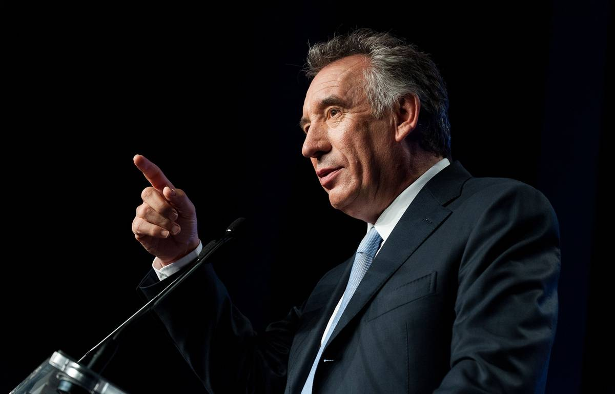 Attaqué par Nicolas Sarkozy, François Bayrou a sorti les gros calibres. – MATHIEU PATTIER/SIPA