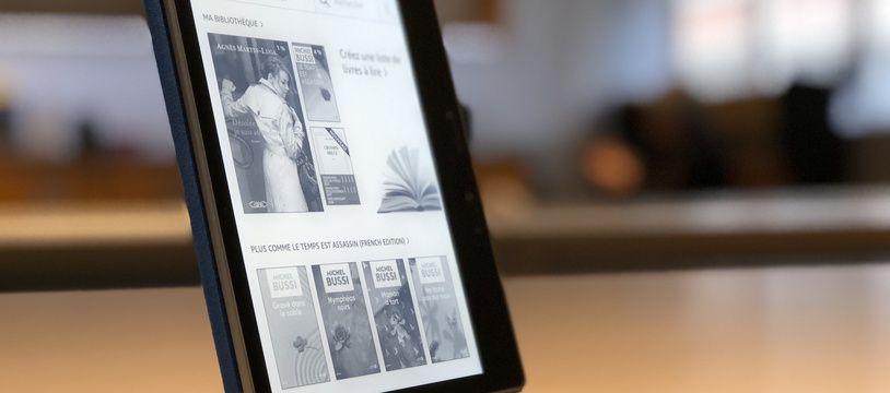 La nouvelle liseuse Kindle Oasis d'Amazon,  disponible le 31 octobre 2017.