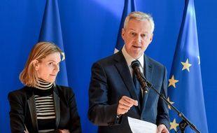 Le ministre de l'Economie et des Finances Bruno Le Maire et la secrétaire d'Etat Agnès Pannier-Runacher ont détaillé ce vendredi 21 février les conséquences de l'épidémie du coronavirus sur l'économie française (ERIC PIERMONT / AFP)