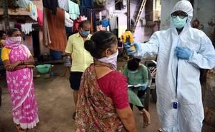 Lors d'un test Covid-19 en Inde, à Mumbai.