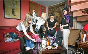 Troquer ses vêtements est un exemple de cette économie de l'échange.
