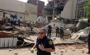Un immeuble en cours de démolition s'est écroulé sur un magasin mercredi 5 juin à Philadelphie dans l'est des Etats-Unis.