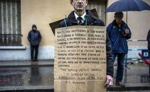 """L'Assemblée nationale a voté mardi, par 250 voix contre 26, le projet de loi sur l'emploi, alors que des manifestants étaient dans la rue à l'appel des syndicats opposés à l'accord """"scélérat"""" à l'origine de ce texte."""