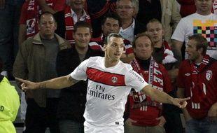Zlatan Ibrahimovic célèbre son but face au Losc, au Grand Stade de Lille, le 2 septembre 2012.
