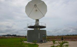 Un satellite de l'Agence gabonaise d'observation spatial le 22 novembre 2015 près de Libreville