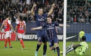L'attaquant parisien Kévin Gameiro (au premier plan), buteur face au Stade de Reims, le 20 octobre 2012 à Paris.