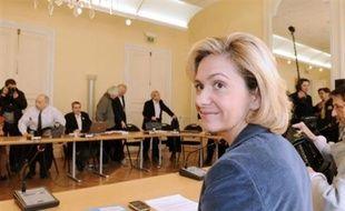 """La ministre de l'Enseignement supérieur Valérie Pécresse a annoncé vendredi qu'une troisième séance de négociation avec quatre syndicats consacrée au statut des enseignants-chercheurs avait permis d'obtenir """"un projet de décret réécrit et équilibré"""" intégrant """"l'ensemble des positions""""."""