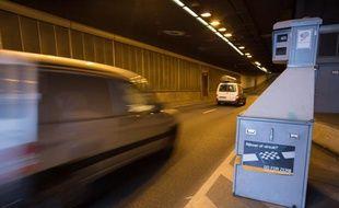 Un radar automatique sur une route belge. Comme l'Espagne, la Belgique a signé un accord bilatéral avec la France pour l'échange de données sur les automobilistes flashés par les radars automatique