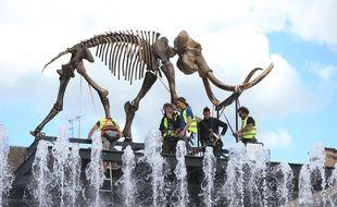 Mammuthus Volantes, oeuvre Jacques Rival exposée dans le cadre de l'évenement culturel L'Industrie Magnifique jusau'au 19 mai sur les places de la ville. Strasbourg le 30 avril 2018.