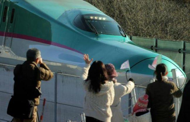 648x415 le tgv japonais shinkansen pour tokyo a la gare de hokuto hokkaido le 26 mars 2016