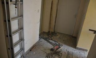 Le couloir de la résidence de Clapiers (Hérault), où a eu lieu l'opération le 10 février.