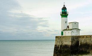 Le phare et la plage de Veules-les-Roses, en Seine-Maritime (illustration).