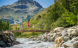 Val d'Isère ne se limite pas à ses pistes de ski et propose d'autres plaisirs à vivre en famille.