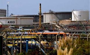 La taxe carbone avaitété censurée par le Conseil constitutionnel en décembre, celui-ci estimant qu'elle rompait le principe d'égalité devant l'impôt en exemptant les industriels, également gros émetteurs de gaz à effet de serre.