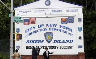 Le panneau d'entrée de la prison de Rikers Island, au large de New York, le 17 mai 2011.