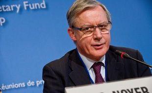 """Le gouverneur de la Banque de France, Christian Noyer, plaide pour que la Banque centrale européenne (BCE) et les banques centrales qui lui sont affiliées deviennent la """"colonne vertébrale"""" de la future Union bancaire dont rêvent nombre de responsables européens."""