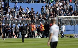 Les supporters de Bastia agressent les Lyonnais à l'échauffement