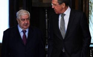 """De son côté, M. Lavrov a déclaré qu'il n'y avait en Syrie """"aucune"""" autre solution """"acceptable"""" qu'un """"règlement politique par un dialogue entre le gouvernement et l'opposition"""", mettant en garde contre les conséquences d'une poursuite du conflit qui a fait, selon l'ONU, 70.000 morts en bientôt deux ans."""