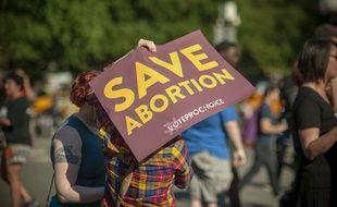 La gouverneure de l'Alabama a signé la loi la plus restrictive du pays, qui interdit presque totalement l'IVG, même en cas de viol ou d'inceste, le 15 mai 2019. (illustration).