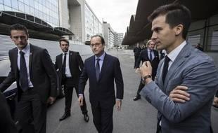 Gaspard Gantzer, à droite du président.