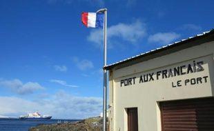 Photo prise le 7 septembre 2012 montrant une partie de la station technique et scientifique Port aux Francais sur les îles Kerguelen