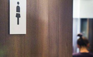 Illustration toilettes pour femmes.