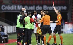 PSG: Presnel Kimpembe écopede trois matchs de suspension ferme