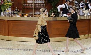Le défilé Chanel prêt-à-porter automne-hiver 2015-2016.