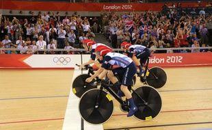 Les poursuiteuses de l'équipe britannique de cyclisme sur piste, lors de l'épreuve des Jeux olympiques de Londres, le 4 août 2012.