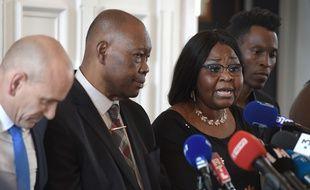 La famille de Naomi Musenga lors d'une conférence de presse à Illjirch-Graffenstaden (près de Strasbourg) le 22 juin 2018. AFP PHOTO / FREDERICK FLORIN