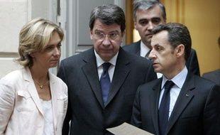 Nicolas Sarkozy avec Valérie Pécresse et Xavier Darcos, le 2 juin 2008 au Palais de l'Elysée à Paris.