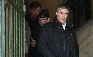 Un compte caché et vingt ans de mensonge : l'ancien ministre du Budget Jérôme Cahuzac, condamné en 2016 à trois ans de prison pour fraude fiscale et rejugé en février à Paris, saura mardi 15 mai 2018 s'il va en prison.