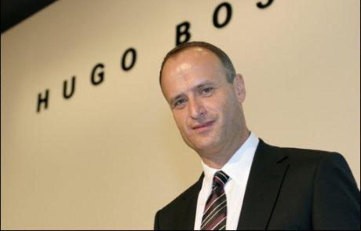 Le groupe de prêt-à-porter allemand Hugo Boss veut doper sa croissance en achetant une deuxième marque de renommée mondiale, annonce son patron, Bruno Sälzer, mardi dans une interview à la Frankfurter Allgemeine Zeitung. –  AFP/DDP/Archives