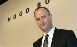 Le groupe de prêt-à-porter allemand Hugo Boss veut doper sa croissance en achetant une deuxième marque de renommée mondiale, annonce son patron, Bruno Sälzer, mardi dans une interview à la Frankfurter Allgemeine Zeitung.