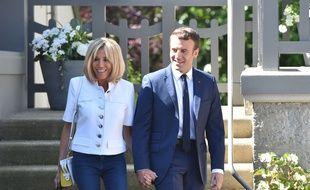 Le président Emmanuel Macron et sa femme Brigitte ont quitté leur maison au Touquet pour aller voter dimanche 11 juin 2017.