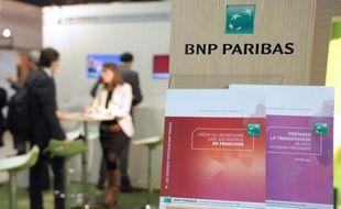La banque BNP Paribas devrait lancer en juin un projet de banque en ligne, avec une offre gratuite et pour objectif de capter 500.000 clients dans les cinq ans, rapporte mercredi le quotidien numérique l'Agefi.