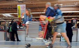Les prix à la consommation en France ont progressé en moyenne de 2,1% sur l'ensemble de l'année 2011 par rapport à l'année précédente, a indiqué l'Insee jeudi.