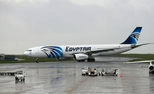 Un Airbus A330 d'EgyptAir, le 19 mai 2016 à Roissy-Charles-de-Gaulle