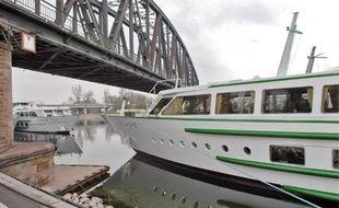 La société CroisiEurope va organiser des croisières sur la Garonne.