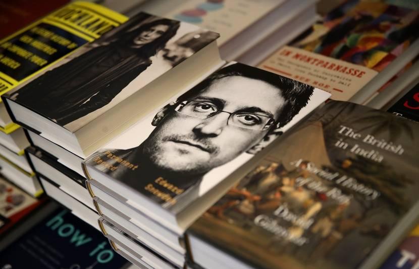 L'autobiographie d'Edward Snowden rend fou le gouvernement américain
