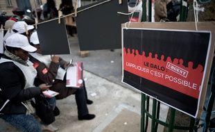 une manifestation en faveur de l'application du Dalo le 5 mars 2015.
